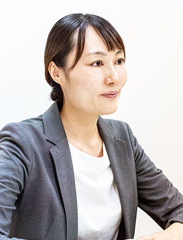 行政書士・泉由希子
